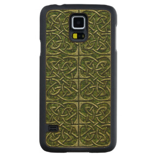 Moss Covered Stone Connected Ovals Celtic Pattern Carved Maple Galaxy S5 Slim Case