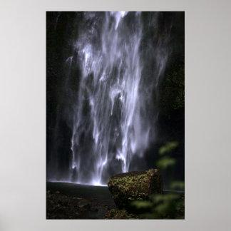Mossy Rock at Multnomah Falls Poster