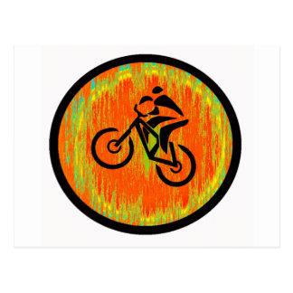 Mota con cresta de la bici postales