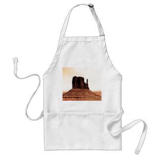 Mota de la manopla en el valle del monumento Utah Delantales