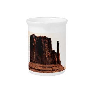 Mota de la manopla en el valle del monumento Utah Jarras Para Bebida