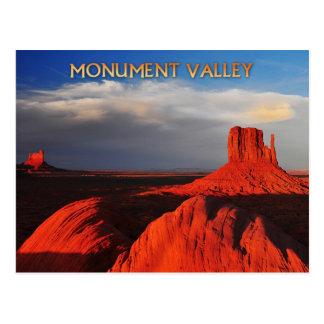 Mota de la manopla en valle del monumento tarjetas postales