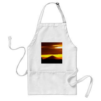 Mota negra Oregon de la puesta del sol Delantal