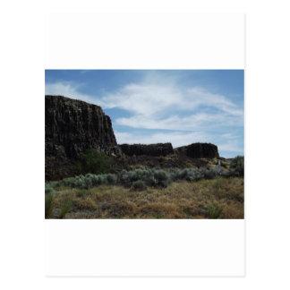 Motas de la roca del desierto postal