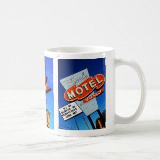 Motel de Stardust Taza Básica Blanca