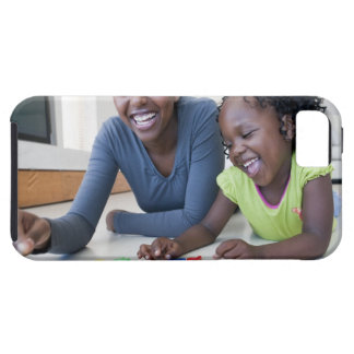 Mother and daughter playing with letters iPhone SE/5/5s case