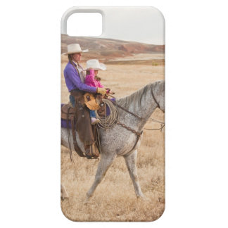 Mother and daughter riding horse iPhone SE/5/5s case