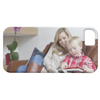 Mother and son sitting on sofa together iPhone SE/5/5s case