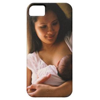 Mother breast feeding newborn iPhone SE/5/5s case