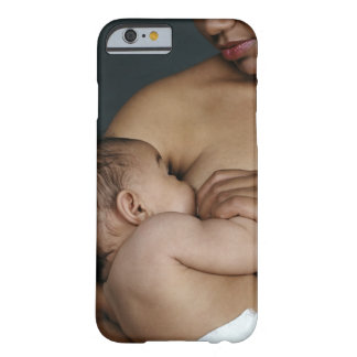 Mother breastfeeding baby boy (6-11 months) barely there iPhone 6 case