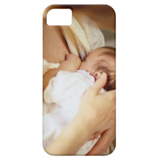 Mother breastfeeding baby girl (1-3 months) iPhone SE/5/5s case