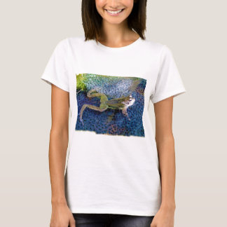 Mother Garden Frog in a Pond of her Frogspawn T-Shirt