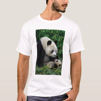 Mother panda and baby in the bamboo bush, Wolong T-Shirt