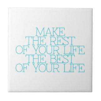 Motivación, inspiración, palabras de la sabiduría. teja cerámica
