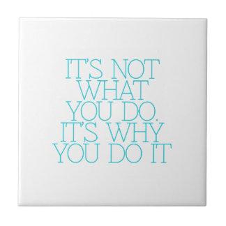 Motivación, inspiración, palabras de la sabiduría. azulejo ceramica