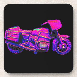 Moto, rosa en la parte posterior del negro posavasos