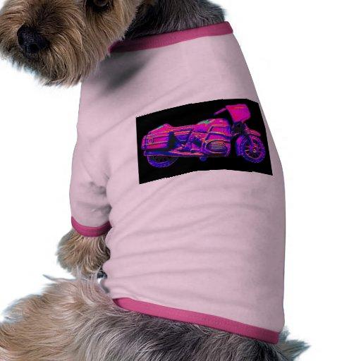 Moto, rosa en la parte posterior del negro ropa macota