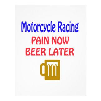 Motocicleta ahora que compite con la cerveza del plantillas de membrete