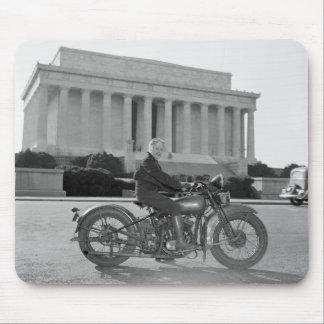 Motocicleta de Harley Davidson - primera mujer Tapete De Ratones