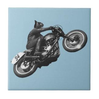 motocicleta divertida del vintage del gato azulejo cuadrado pequeño