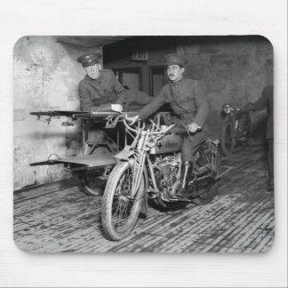 Motocicleta militar EMT, los años 10 Mouse Pad