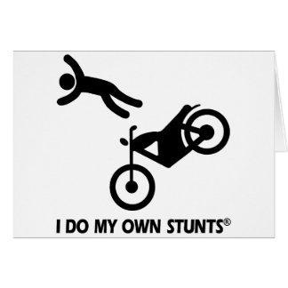 Motocicleta mis propios trucos felicitaciones