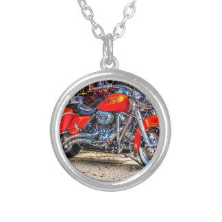 Motocicleta roja de encargo del cerdo joyerías