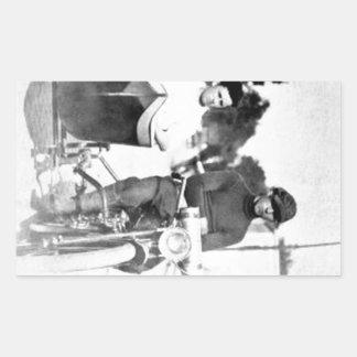 Motocicleta y coche lateral del proscrito del pegatina rectangular