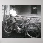 Motocicleta y conductor c1909 de Harley Davidson Posters
