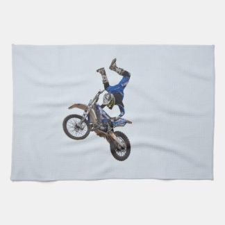 Motocrós que vuela arriba toalla de mano