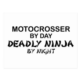 Motocrosser Ninja mortal por noche Tarjetas Postales
