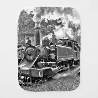Motor blanco y negro del tren del vapor del paños de bebé