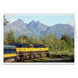 Motor locomotor y montañas del ferrocarril de tarjeta de felicitación