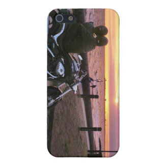 Motorbike lovers at sunset, Elwood Beach iPhone 5 Cover