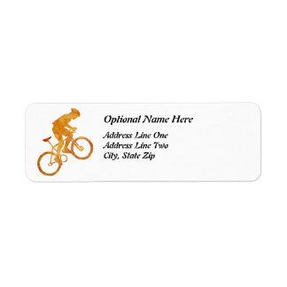 Motorista anaranjado de oro de la montaña etiquetas de remite