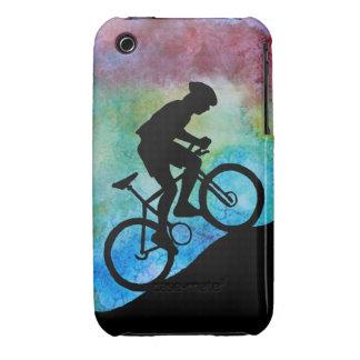 Motorista de la montaña contra puesta del sol funda bareyly there para iPhone 3 de Case-Mate