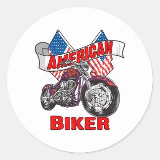 Motorista de las banderas americanas pegatina redonda