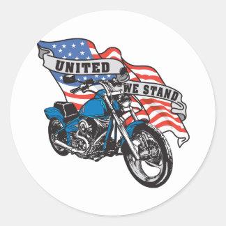 Motorista del americano del soporte unido pegatina redonda