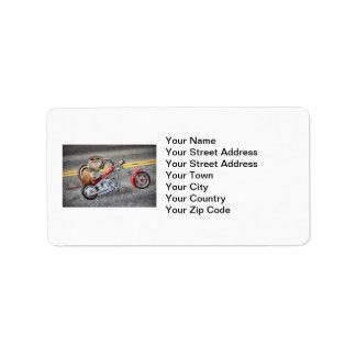 Motorista del Chipmunk que monta una motocicleta Etiqueta De Dirección