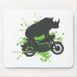 Motorista del rinoceronte tapetes de raton