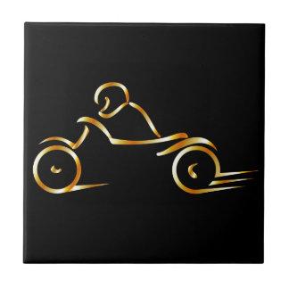 Motorista que muestra seguridad en carretera azulejo cuadrado pequeño