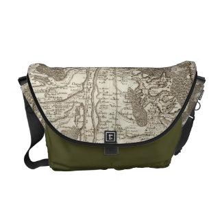 Moulins Messenger Bag