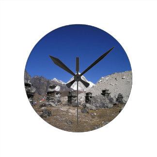 Mount Everest 9 Round Clock