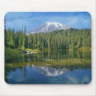 Mount Rainier Mouse Pad