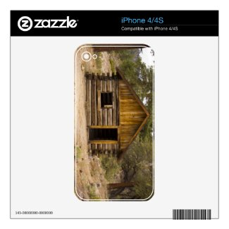 Mountain Cabin Decal For The Iphone 4s