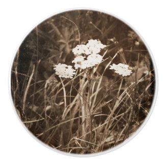 Mountain Flowers Ceramic Pull