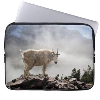 Mountain Goat on Gunsight Pass Laptop Sleeve