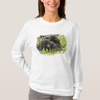 Mountain Gorilla, family in day nest T-Shirt