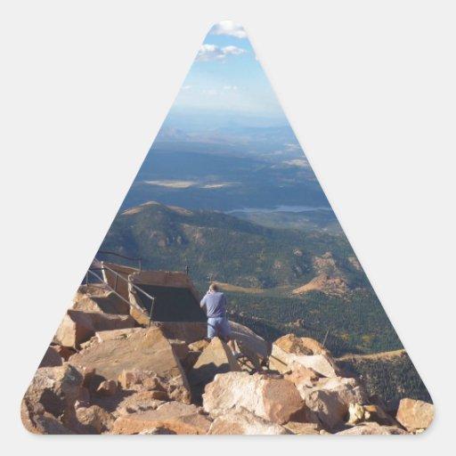 Mountain View en la cima del pico de los lucios Pegatinas Triangulo Personalizadas