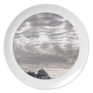 Mountain with cruiseship in the Pole Dinner Plate